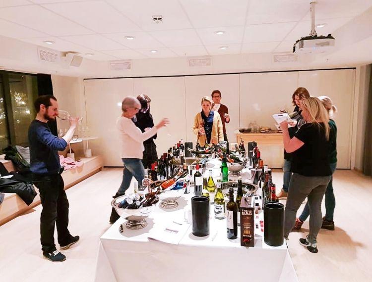 Monopoly wine tasting in Bergen 09/01/19